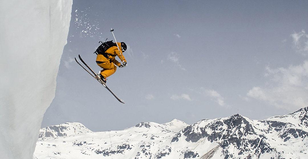 Her kan du stå på ski helt frem til starten af sommeren